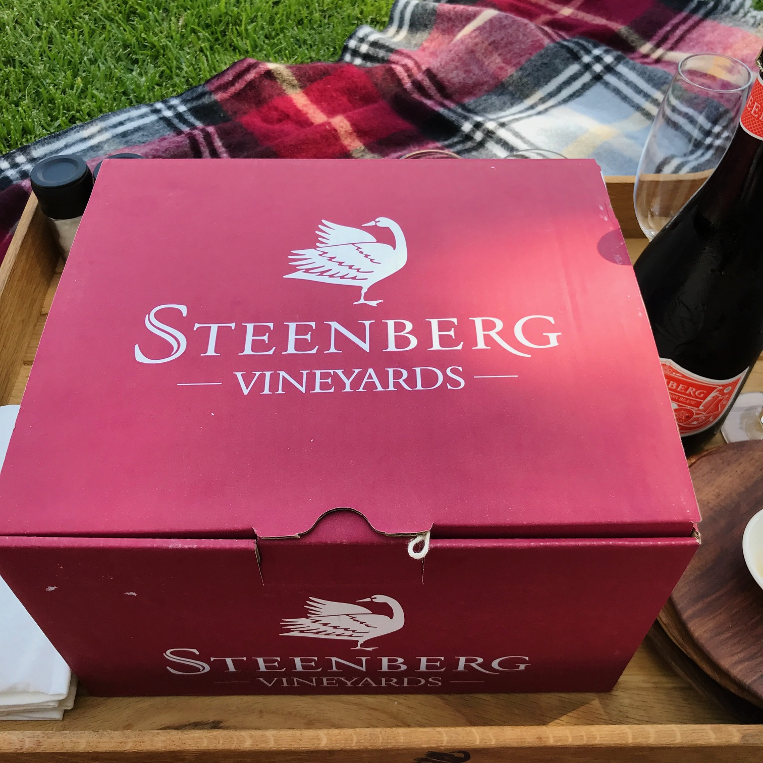 Steenberg, Tryn, Al Fresco Brunch Box